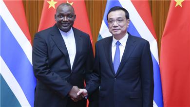 李克强会见冈比亚总统