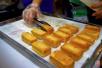 蛋黄派榴莲酥是垃圾食品?这份巨毒食品名单是假的!