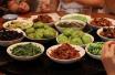带孩子在外吃,八项注意:告知油盐减半 自带餐盘碗筷