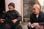 长寿之乡百岁老人传授养生秘诀:心态好 爱运动