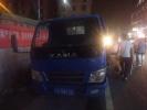 高速飞轮砸碎客车玻璃 受伤司机忍痛刹车救下一车人