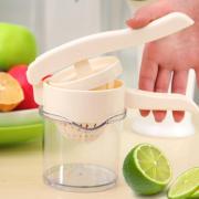 想喝果汁选榨汁机还是破壁机?