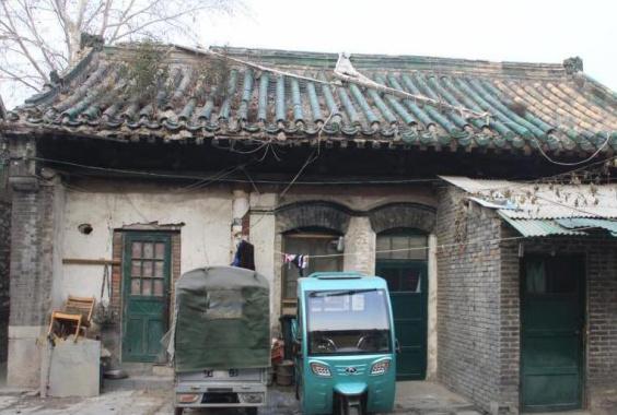 济南648岁城隍庙沦为出租房 屋顶部分坍塌