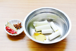 童年里最怀旧的一道小零食——五香脆皮蚕豆的做法步骤:2