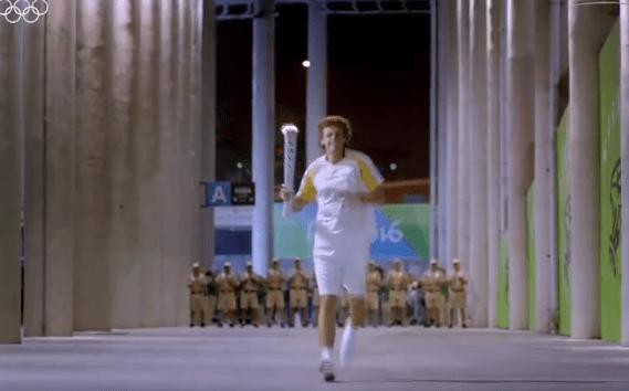 里约奥运会开幕式精彩瞬间:利马点燃主火炬台