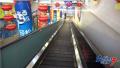 消费者购物时意外摔伤治疗花费近万元 超市是否该负责?