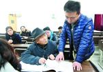 62岁励志爹爹攻读法学专业 还带着妻儿一起上学(图)