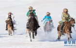 内蒙古迎冬季旅游旺季 游客骑马驰骋雪原(组图)