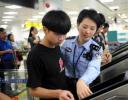 厦门机场端午迎客流高峰 中国公民候检不超过30分钟