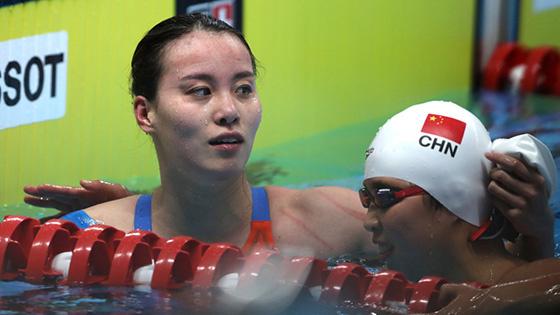 傅园慧50米仰泳夺冠 日照是梦开始的地方