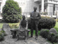 """浙江媒体评历史名人雕像被""""丑化"""":道德的底线不容触碰 请文明归队"""