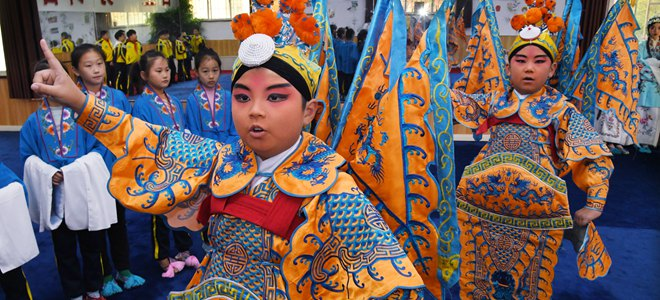 山东青岛:京剧进校园 国粹有传承