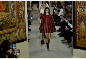 从四季发布新品到两季,时装行业会放慢脚步吗?