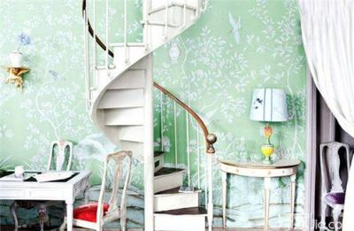 与旋转楼梯和曲线柔美精致的欧式家具混搭出中西合璧