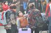 """【网络媒体走转改】春运中的小温暖 探访那些""""螺丝钉""""岗位"""