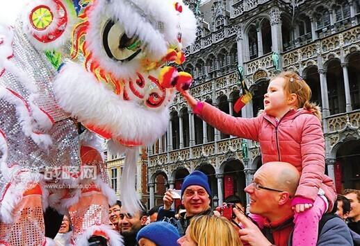 中国人春节出国狂抛千亿:一现象令人欣喜-中国
