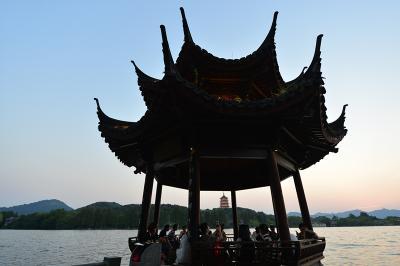 杭州西湖夕影亭(8月29日摄)。