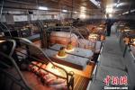 """环保部谈有地方""""一刀切""""限制畜禽养殖:支持合法经营企业"""