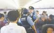 130多名中国游客滞留日本 浙江小伙求助大使馆立即获回应