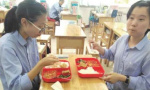 """山东省实验中学在济南率先启用""""食堂+配餐""""全程保温"""