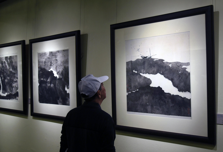 """""""梦缘西湖·中法当代艺术展""""在杭州开幕"""
