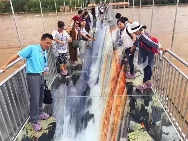 黄河3D玻璃桥敢走吗