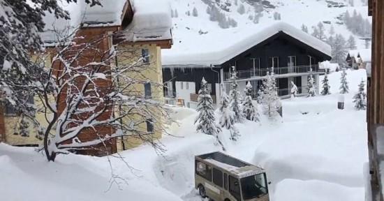 最新网页赌博平台:瑞士滑雪胜地半月内再度封山 数千名游客被困