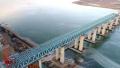 河南三门峡:运宝高速黄河大桥加紧施工