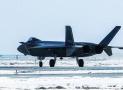 中国空军歼-20战机雪后飞行训练
