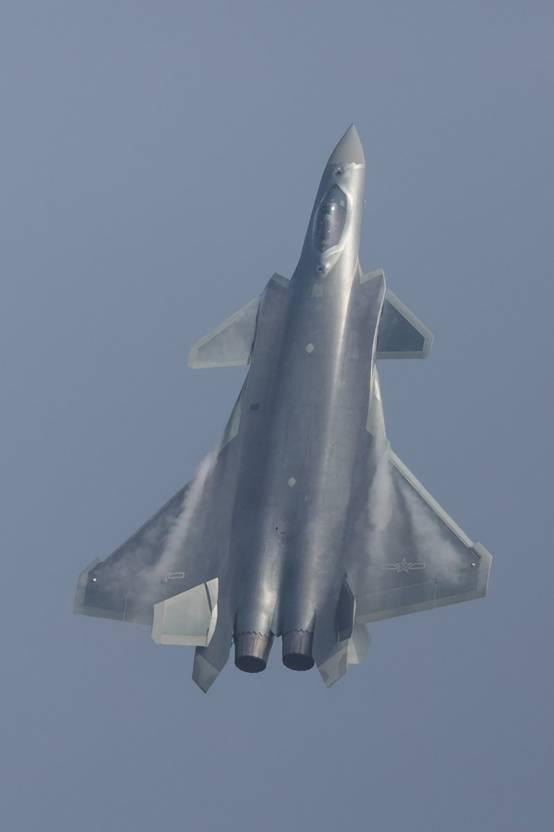 北京快乐8在哪可以买:歼20为何由黑变银灰色:利于视觉隐身 涂装已超美军