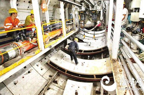 海都记者探访正在施工的地铁2号线江底隧道