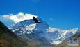 43年5次挑战!69岁双腿截肢老人终于登上珠峰