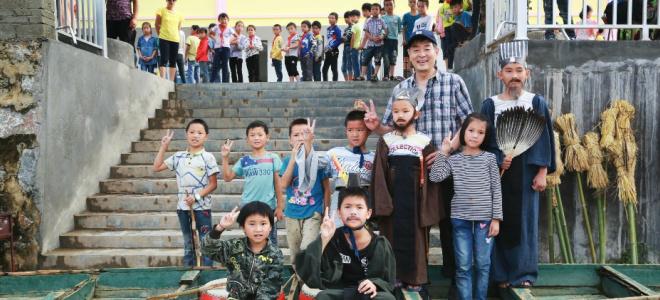 濮存昕史上最年轻《草船借箭》 于丹带孩子放歌稻田间