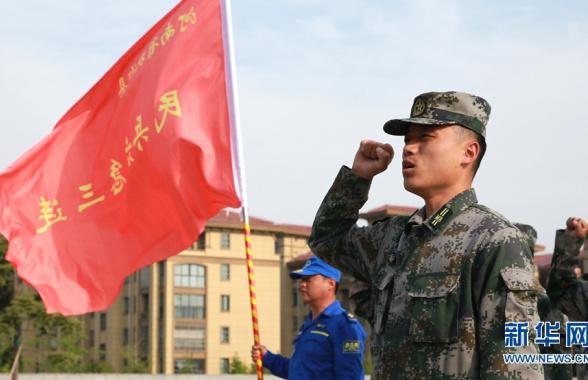 河南扶沟:基干民兵参观吉鸿昌纪念馆