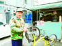 八旬聾啞老人熱心公益 一個月免費修理百輛共享單車