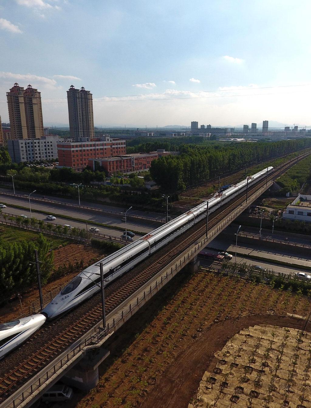 淄博:拆除违法建筑整治铁路沿线环境