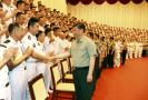 习近平视察海军:建设强大的现代化海军