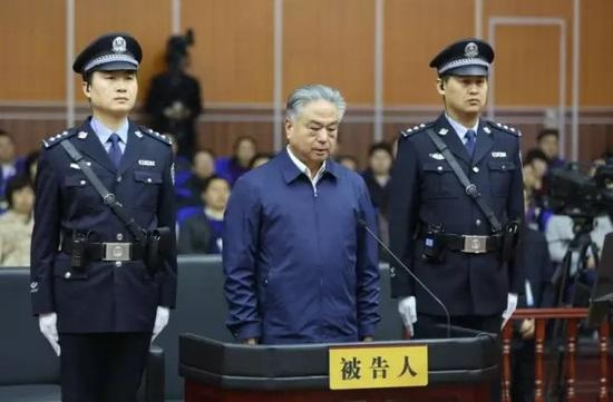 武长顺被判死缓 31地