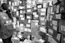我国一年快递量313亿件 纸壳包装回收仅占两成