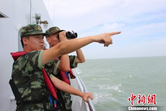 浙江一艘渔船沉没8人下落不明多部门仍在搜救(图)