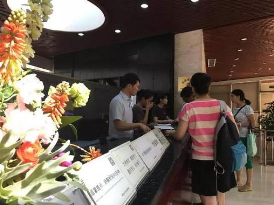 九寨沟地震后第二日,成都金沙遗址博物馆正常开放。