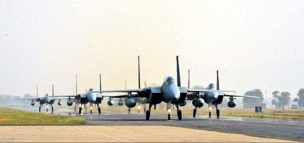 枭龙要与F15过招?