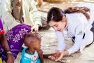 秋瓷炫赴非洲志願援助 呼籲更多關注病患兒童
