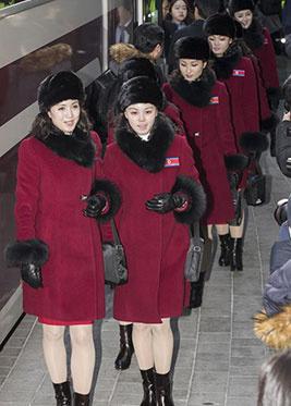 朝鲜拉拉队抵达韩国