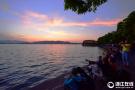 日落西湖现夕阳云天