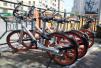 濟南東站附近共享單車占據人行道 摩拜單車公司回應