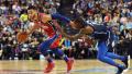 NBA中国赛-雷迪克爆发 76人力克独行侠