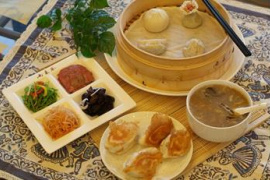 徐州兩來風:辣湯+鍋貼