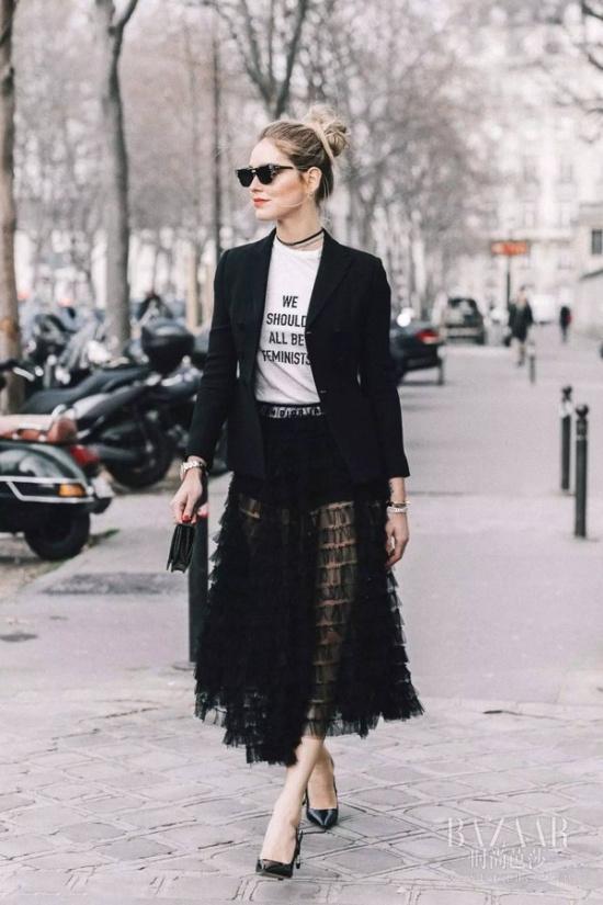 的就是仙女姐姐刘亦菲在透明纱裙里穿紧身牛仔裤的look,如糖纸一