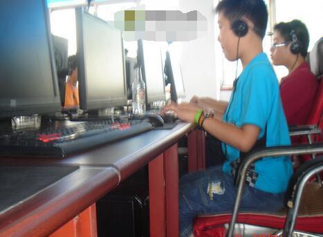 """为打游戏,11岁小男孩冒充""""公安"""",骗走家里10万多积蓄!"""